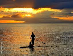 sunset-sup-couple